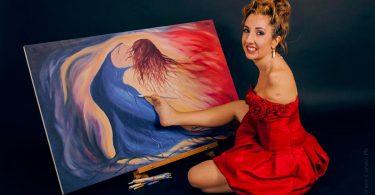Simona Atzori ballerina e pittrice di successo nata senza braccia