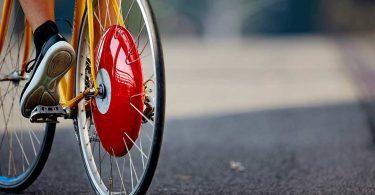 Copenaghen Wheel, la ruota che trasforma qualsiasi bicicletta in una bici elettrica.