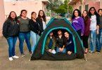 12 ragazze inventano la tenda solare per i senzatetto