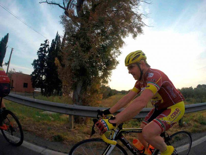 scommette-una-cena-e-fa-360-km-in-bicicletta-in-12-ore-1
