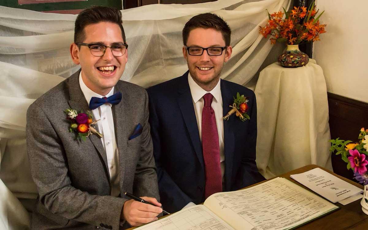 matrimoni-gay-anche-in-chiesa-per-acquisire-nuovi-fedeli-1