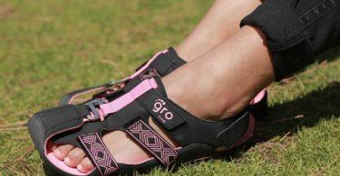 the-shoe-that-grows-la-scarpa-che-cresce-per-i-bambini-meno-fortunati