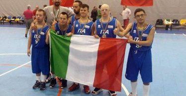 la-nazionale-italiana-sindrome-di-down-vince-loro-nel-campionato-europeo-di-basket