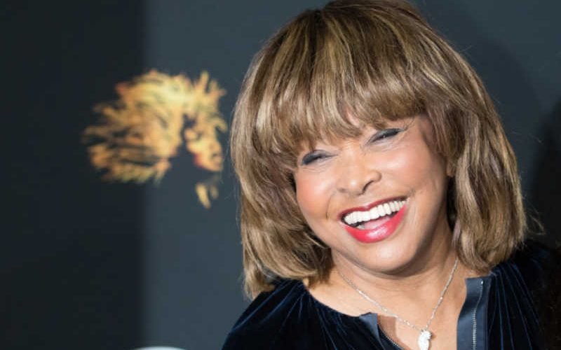 Tina Turner compie 80 anni e li celebra su Twitter