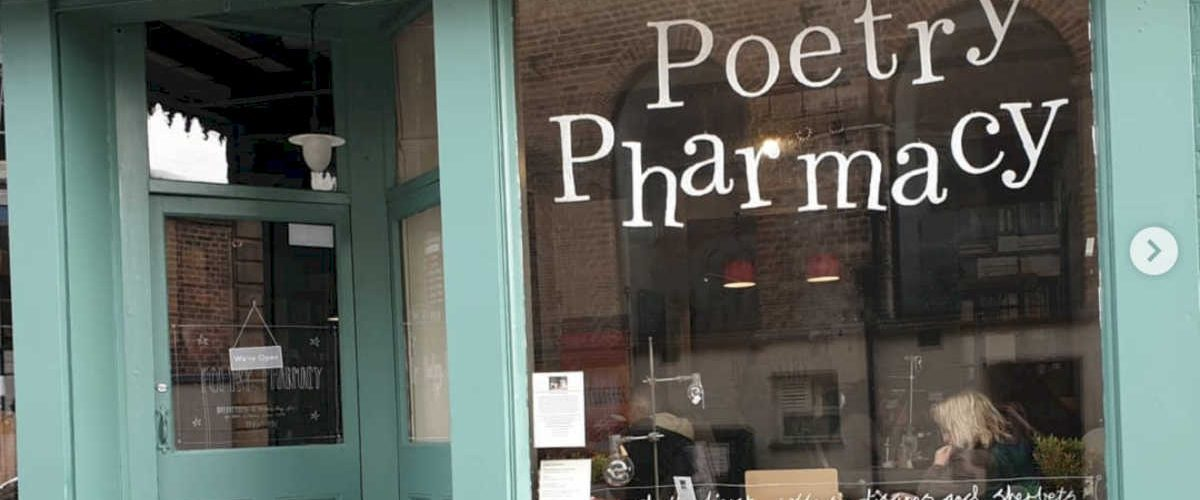 The Poetry Pharmacy, la farmacia che prescrive poesie per alleviare lo stress